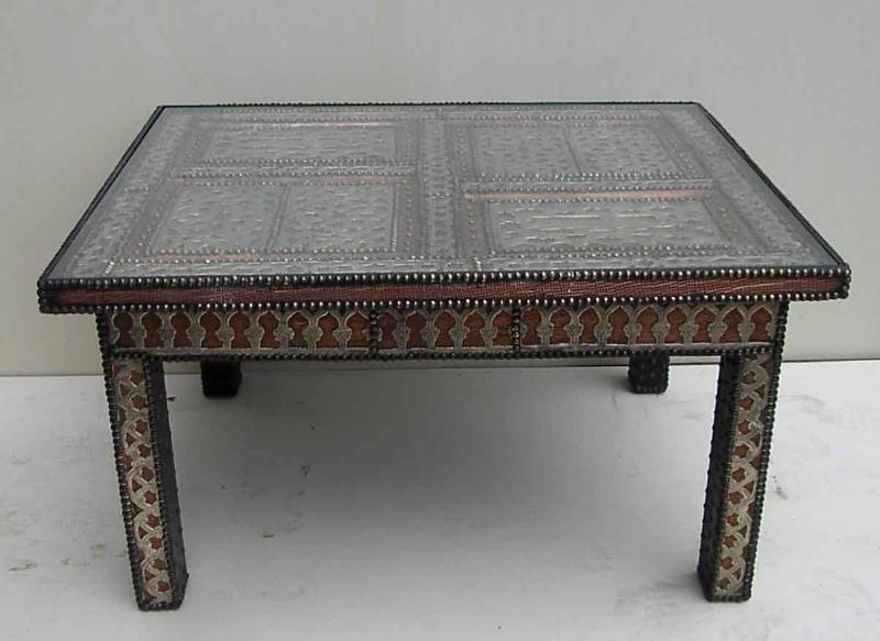 Tavoli tavolini in legno marocchini di artigianato marocco articoli e prodotti etnici - Mobili orientali roma ...