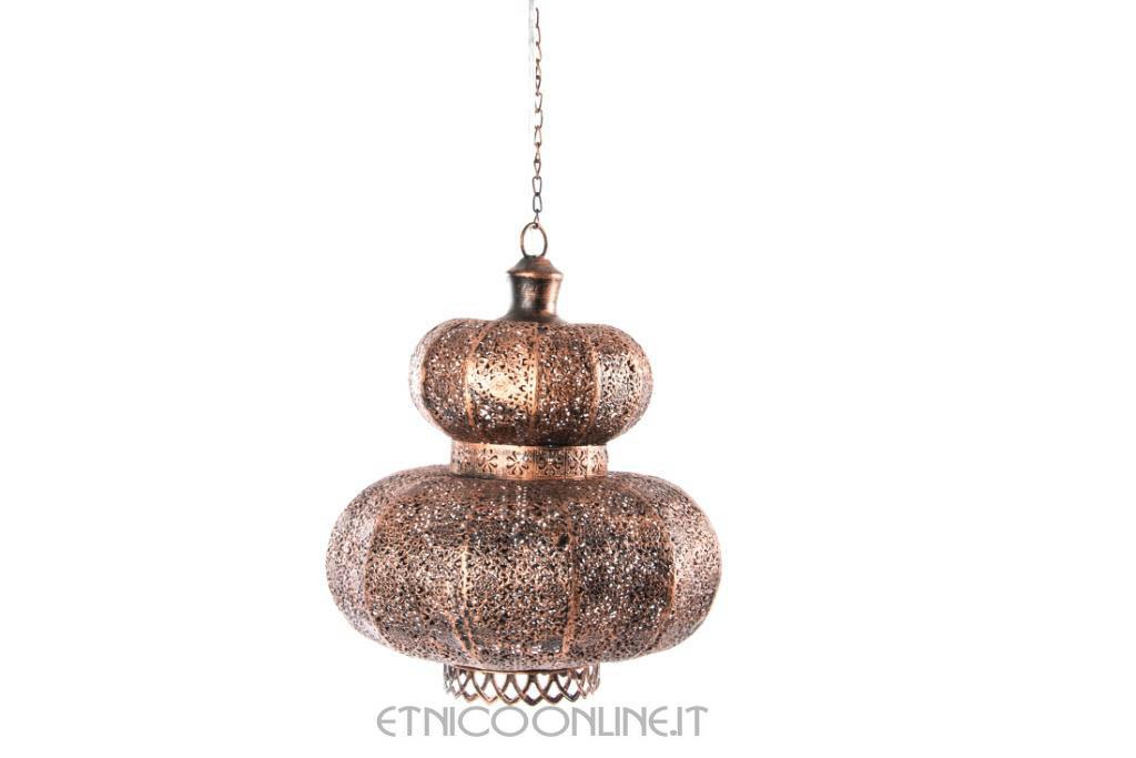 Lampadario in metallo intarsiato con fascia decorata stile etnico.