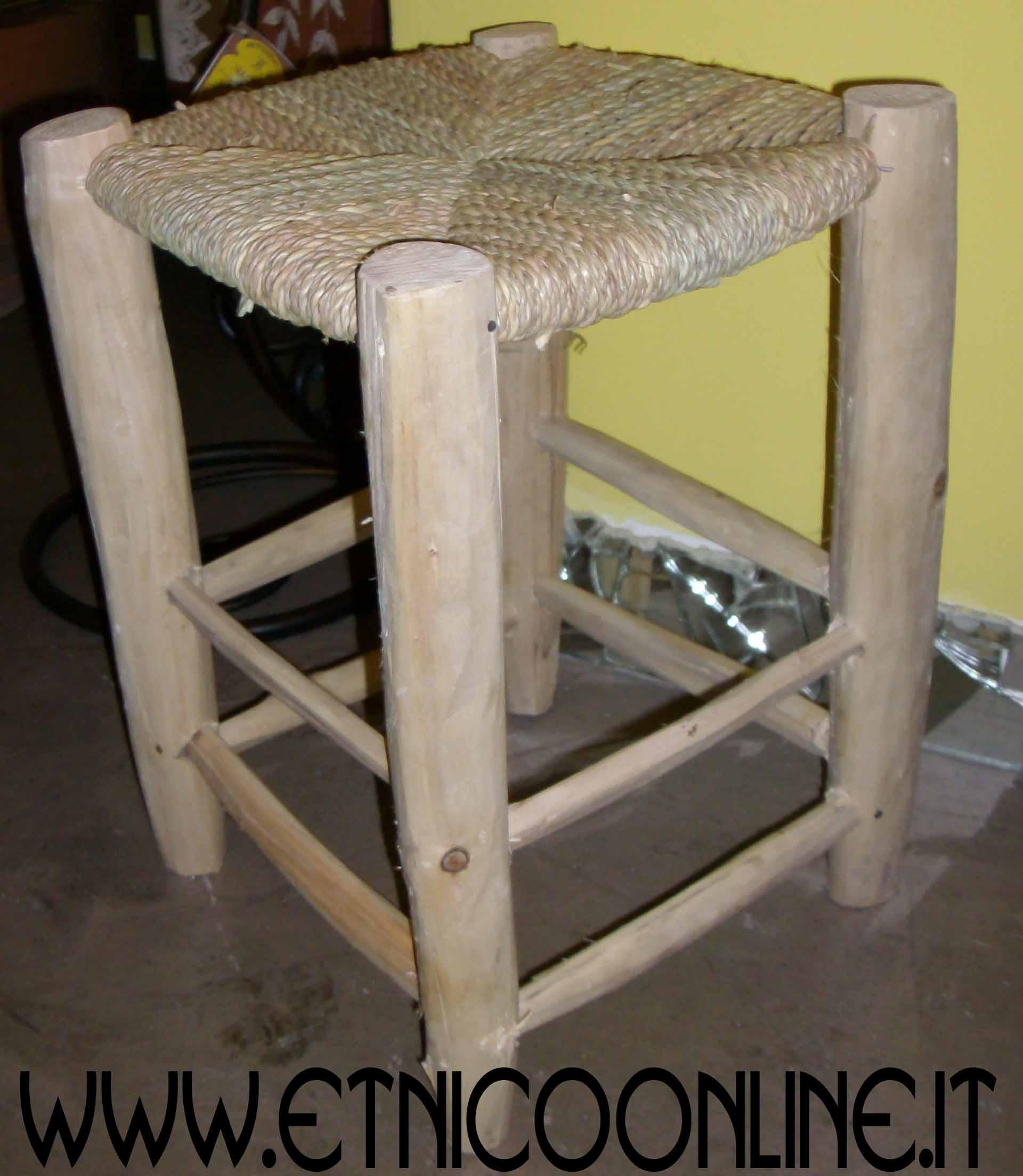 Sgabello mobili e complementi mobili marocchini in legno di artigianato vulcano ecommerce - Mobili marocchini ...
